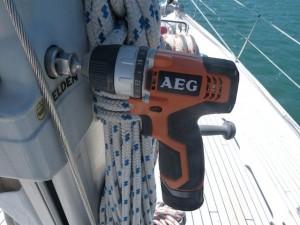 Emergency adapter for electrical or hydraulic furling | S/Y
