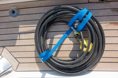 Hookah hose with regulators