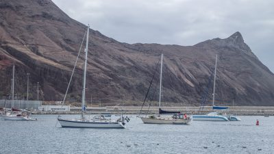 First 3 days we anchored in the marina.